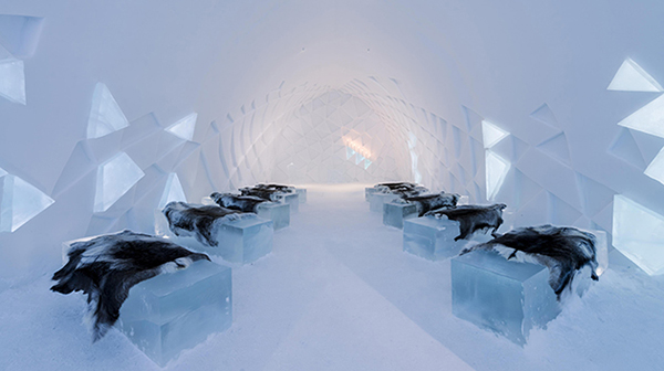 winter-wedding-venue-icehotel
