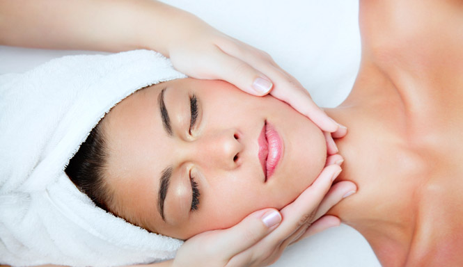 a-relaxing-facial-massage